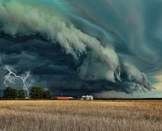 -check the great photos.Storm Cell, Grand Prairie, Texas photo via laura. All Nature, Science And Nature, Amazing Nature, Natural Phenomena, Natural Disasters, Grand Prairie Texas, 1366x768 Wallpaper, Storm Front, Wild Weather