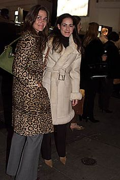 Fall 2001 Ready-to-Wear  Oscar de la Renta - Celebrities  Aerin Lauder Zinterhofer and Jane Lauder.