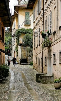La Contrada dei Monti ~ Orta San Giulio, Piedmont, Italy | Flickr - Photo by _ Nemo _
