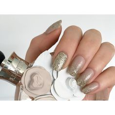 Chic champagne  done by @dollhousenailsnz  gel polish and glitter on natural nails  #shaaanxo