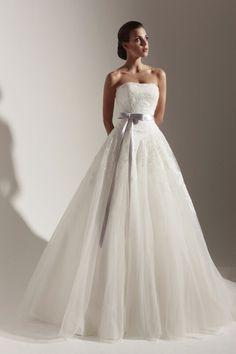Yusupova Couture , model Aurelio   #weddingdress #wedding #dress #whitedress #beltweddindress #lavenderweddingdress