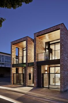 Minimalist home designs ideas. Currently, enable's locate 20 fantastic minimalist houses design, every one as interesting in addition to inspiring as the adhering to. Townhouse Exterior, Modern Townhouse, Townhouse Designs, Duplex House Design, Small House Design, Modern House Design, Facade Design, Exterior Design, Brick Design