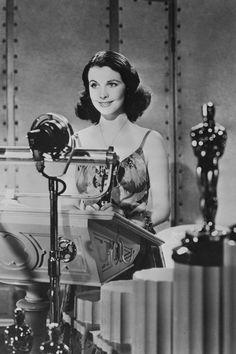 Vivien Leigh, que tras devorar la novela en la que luego se inspiraría Lo que el viento se llevó no paró hasta conseguir un agente, un contrato con los estudios y finalmente el papel protagonista. El Oscar fue un regalazo para la actriz, pero también fue el final más justo para la historia de obstinación y perseverancia más grande de Hollywood.