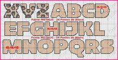 Resultado de imagem para lidiane ponto cruz monogramas