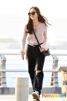 Jessica Jung 2019 Her Style, Cool Style, Jessica Jung Fashion, Korea Fashion, Airport Fashion, Krystal Jung, Classy Chic, Korean Actresses, Airport Style