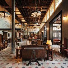 Hotel Emma en San Antonio, Texas, que conjuga elementos #industriales con #muebles #retro para conseguir un resultado espectacular.
