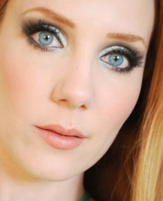 For all things beauty, fashion and travel visit smoonstyle.com, a lifestyle blog by Simone Simons.
