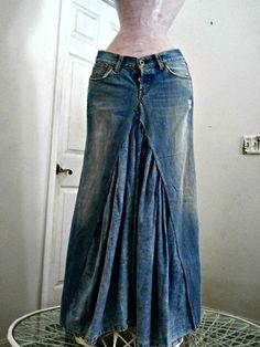 Falda de jean marca Lucky salón Renacimiento Denim Couture