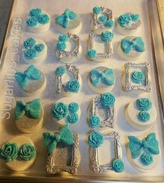 Beautiful Chocolate Covered Treats, Chocolate Dipped Oreos, Fancy Cookies, Oreo Cookies, Fondant Cupcake Toppers, Cupcake Cakes, Fancy Biscuit, Elegant Cake Pops, Gourmet Candy Apples