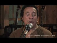 Smokey Robinson live at Daryl Halls House Motown Singers, Smokey Robinson, Daryl Hall, Hall & Oates, Carol Burnett, Music Pictures, Diana Ross, Sweet Memories, Music Quotes