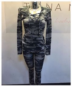Chill out in our camo 2 piece lounge set ..X