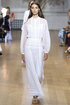 Oscar de la Renta Spring 2017 Ready-to-Wear Fashion Show - Camille Hurel