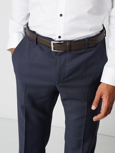 Boss Ledergürtel mit Dornschließe Dunkelbraun - 1 Hugo Boss, Suits, Casual, Products, Fashion, Fashion Styles, Dark Brown, Grey, Black