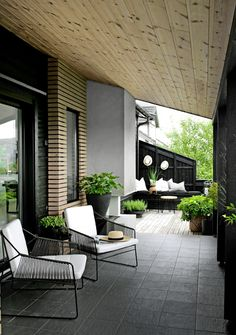 51 Magnificent Rooftop Terrace Ideas - Balcony Decoration Ideas in Every Unique Detail Urban Garden Design, Patio Design, Exterior Design, House Design, Outdoor Spaces, Outdoor Living, Outdoor Decor, Small Balcony Design, Modern Patio