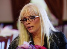 Big Ang brings Victoria Gotti to the sit down, despite the fact that Renee and Karen are friends and there is bad blood between Karen and Victoria's families. Big Ang is stunned when Victoria says that she never lets strangers in, and seems to be agreeing with Renee about trusting friends over strangers... Please read more and join in at: http://allaboutthetea.com/2015/01/08/mob-wives-recap-renee-rebuilds-relationships-natalie-is-a-rat-episode-4/