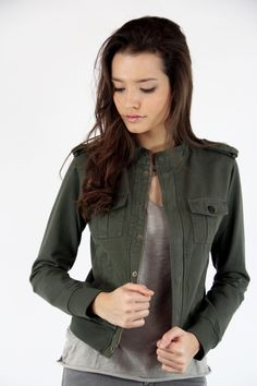 Cazadora verde, Chaqueta Militar, Cazadora Militar, Bomber, Military jacket, System Action, shop online, lookbook, model, street Style, SS2015,