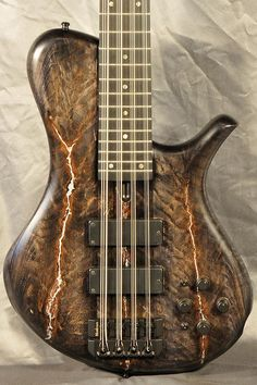 Marleaux BassGuitars, Bass, Bässe, Sonderanfertigungen, Custom made, Individuell, Fretless, Headless, Griffbrettinlays, Dots, 4-Saiter, 5-Saiter, 6-Saiter, 7-Saiter