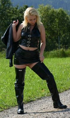 club rubberboots and waders 3 eroclubs. St Trinians, Sexy Latex, Rain Wear, Leather Fashion, Rain Boots, Curvy, Punk, Hunters, Womens Fashion