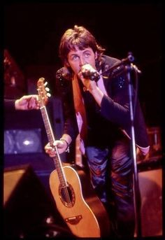 Macca circa 1976 Paul Mccartney Beatles, Paul Mccartney And Wings, Liverpool, Wings Band, Sir Paul, The Fab Four, Ringo Starr, Types Of Music, George Harrison