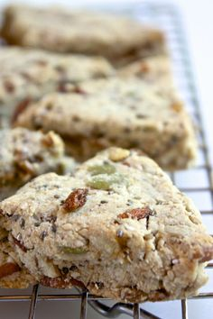 Helyn's Healthy Kitchen: Trail Mix Scones. Grain-free and Oil-free.