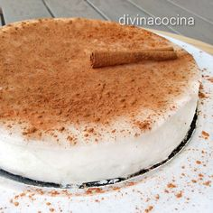 Esta tarta de arroz con leche tiene una textura suave y ligera, no se hornea por lo que es facilísima de hacer. Conserva el sabor del buen arroz con leche.