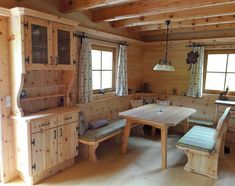 Chalet Interior, Interior And Exterior, Mountain Decor, Chalet Style, Cabin Interiors, Inside Design, Wooden House, Kitchen Remodel, Tiny House