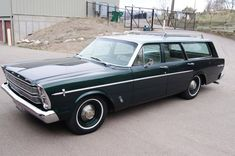 Station Wagon Finder scours the internet to find the best classic Ford station wagons available. Station Wagons For Sale, Station Wagon Cars, Dream Cars, Ford Ltd, Ford Classic Cars, Classic Auto, Ford Galaxie, Car Ford, Ford Motor Company
