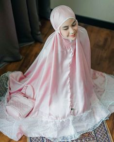 Muslim Fashion, Hijab Fashion, Beautiful Hijab Girl, Baby Girl Party Dresses, Niqab, Islam, Prayers, Wattpad, Crochet