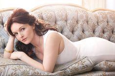 Dervla Kirwan (Miss Hartigan; The Next Doctor) British Celebrities, Yummy Mummy, Most Beautiful Women, Doctor Who, Celebs, Actresses, Poses, Lady, Beauty