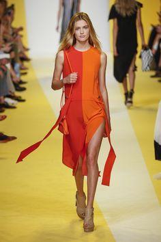Αυτοί είναι οι πιο φρέσκοι συνδυασμοί χρωμάτων στα ρούχα που θα δοκιμάσουμε φέτος. Οι χρωματικοί συνδυασμοί ρούχων που θα τολμήσουμε!