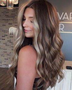 Gorgeous Hair Color, Hot Hair Colors, Fall Hair Colors, Hair Color Ideas, Brown Hair Colors, Brown Hair Balayage, Hair Highlights, Face Frame Highlights, Purple Hair Streaks