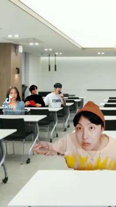 Bts Taehyung, Bts Jimin, Laugh Meme, I Cant Even, Bts Korea, Bts Edits, World Records, Bts Video, Videos Funny