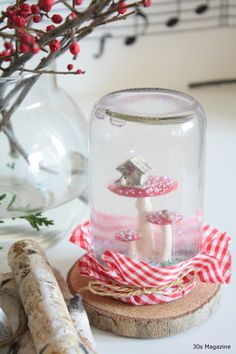 mushroom snow globe -have no idea why I'm still pinning Christmas pins Christmas Crafts To Make, Christmas Mood, Christmas Decorations, Christmas Jars, Diy And Crafts, Crafts For Kids, Scandinavian Christmas, Christmas Inspiration, Snow Globes