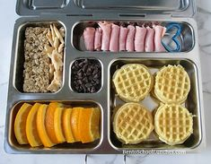 mini cream cheese waffles breakfast for lunch in Planetbox Non Sandwich Lunches, Lunch Snacks, Work Lunches, Healthy Lunches For Kids, Kids Meals, Healthy Snacks, Organic Fruit Snacks, Yogurt Covered Raisins, Kids Packed Lunch