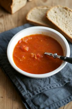 tomato soup with garlic and thyme | Lisa Hjalt