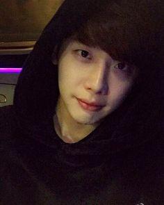 Lee Jong Suk Weibo Update