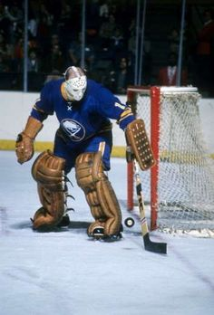 ROGER CROZIER: The netminder won the Conn Smythe Trophy in becoming the first to win the playoff MVP award for a losing team. - 100 greatest players in NHL history - October 2016 Olympic Games Sports, Goalie Mask, St Louis Blues, Buffalo Sabres, Vancouver Canucks, Racquet Sports, European Football, Sports Art, Amigurumi