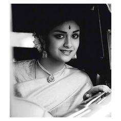 😍😇🙏🏻 Azhagi😘 #mahanati #makkalselvi @keerthysureshofficial Most Beautiful Indian Actress, Beautiful Actresses, Sai Pallavi Hd Images, Keerti Suresh, Indian Actress Gallery, Half Saree Designs, Vintage India, Attractive Girls, Beautiful Saree
