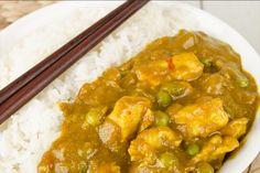 Recette de poulet thaï au curry au Thermomix TM31 ou TM5. Préparez ce plat principal en mode étape par étape comme sur votre appareil !
