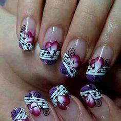Music notes & Hearts nails
