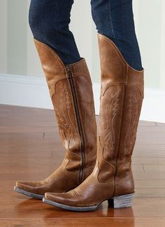 Ariat's Murrieta Boots make the perfect all-season boot! Wear them with your skinnies, leggings, skirt - anything! The comfort sole and side zip make them great for all day wear.