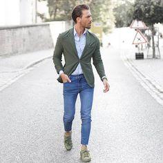 Más looks con verde y azul... si es que nos encanta, qué le vamos a hacer! Pic by @malikarakurt