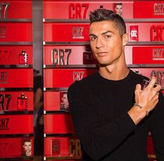 Real Madrid football star Cristiano Ronaldo, launched his new fragrance, called Eau de Toilette today. The fragrance is the. Cristiano Ronaldo 7, World Best Football Player, Soccer Players, Real Madrid, Messi, Portugal National Football Team, Cr7 Junior, Madrid Football, Ronaldo Juventus