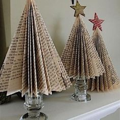 Christmas Tree Out Of Books, Homemade Christmas Tree Decorations, Christmas Gift You Can Make, Tabletop Christmas Tree, Christmas Tree Themes, Christmas Paper, Christmas Crafts, Christmas Holidays, Xmas