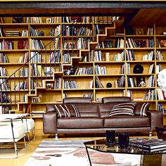 I want that tall and huge book shelf...