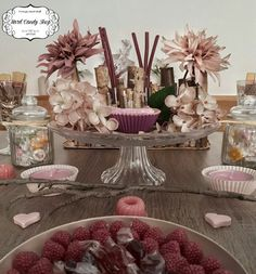 Shops, Hard Candy, Table Settings, Table Decorations, Vintage, Sweet, Furniture, Home Decor, Candy Bar Wedding