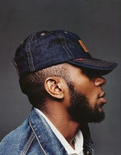 Mos Def http://www.google.com/searchbyimage?image_url=http%3A%2F%2Fassets3.pinimg.com%2Fpreviews%2FrWr8ksRi.jpg