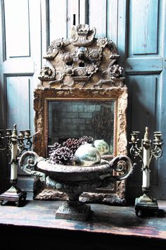 French Home Decor, French Country Decorating, Vintage Vignettes, French Mirror, Flea Market Style, Romantic Homes, French Country House, Art Deco Era, Architectural Salvage