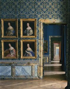 Château de Versailles, 1985. Photo by Robert Polidori