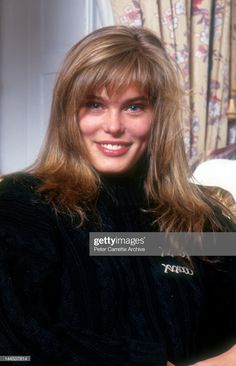 Danish model Renee Simonsen, winner of the Ford Models 'Face of the Eighties' model search, in 1982 in New York City. Get premium, high resolution news photos at Getty Images Short Retro Hair, New York City, Off The Shoulder Swimsuit, Renee Simonsen, Swimsuit Edition, John Taylor, Trucks And Girls, Model Face, Retro Hairstyles